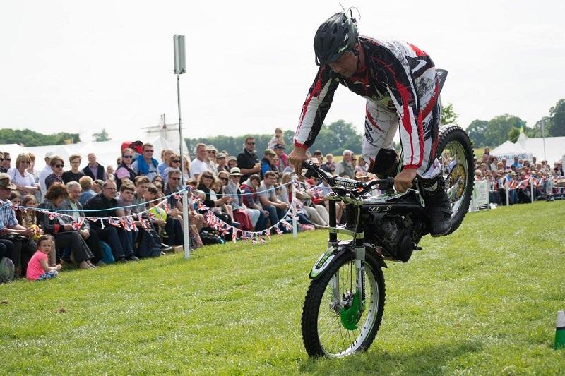 jez-avery-stunt-show